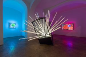 big bang....interruption, metall holz spiegel plexiglas led, galerie michaela stock, wien, 2013
