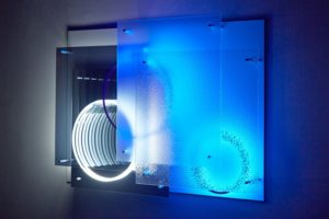 "superposition ""day night"", uv licht neon metall plexiglas spiegel, 2015"