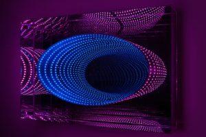 tunnel ellipse, metall spiegel plexiglas led farbwechsel, de buck galerie, new york, 2012