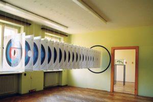 target, papier zielscheiben plexiglas wandfarbe, altes finanzamt rosenheim, 1997