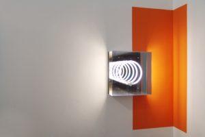edge, leuchtkasten leuchtstoffring spiegel wandfarbe, privatsammlung, berlin, 2008/09