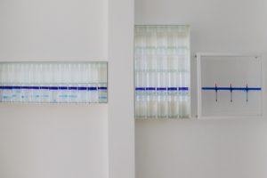 sensitive balance , metall plexiglas wasser silikonöl blau schwimmer, patrick heide contemporary, london, 2008