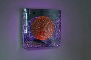 tunnel view 'down under', plexiglas metall spiegel led farbwechsel, galerie viltin, budapest, 2011