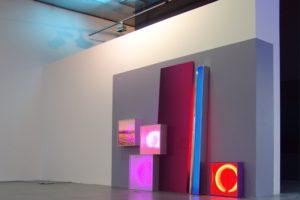 replaced, aluminiumleuchtkästen edelstahlstange wandfarbe und kontaktunterbrecher, museum of contemporary art (msu), zagreb, kroatien, 2011