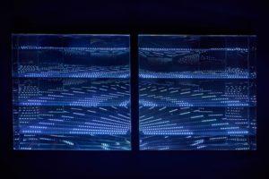 """beyond light """"lines"""", metall spiegel plexiglas led licht dmx-steuerung, samuelis baumgarte galerie, bielefeld, 2016"""