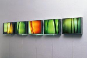 light and colour, 5 edelstahl-leuchtkästen mit laserchrome grossdiapositiv, 2001