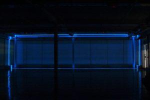 balance, leuchtfolie und inverter, kinetica museum london, 2006