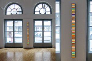 colour code, leuchtkasten edelstahl poliert diapositiv led mit farbwechsel, galerie viltin, budapest, 2011