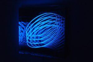 spring, metall spiegel plexiglas led farbwechsel, galerie klaus benden, köln, 2012