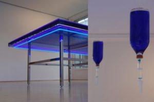 the very best...(detailansicht), edelstahlpoliert wasser silikonöl led neon spiegel wandfarbe, galerie benden & klimczak, köln, 2008